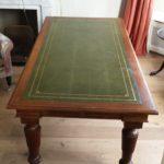 Engels antiek mahonie 215 cm bij 104 cm en 80 cm hoog  € 1750